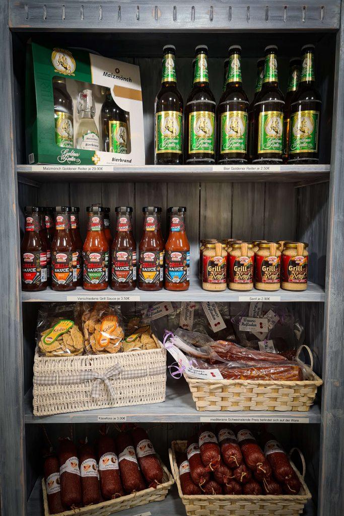 Auswahl unserer Produkte im Pfunds Spezialitätenladen