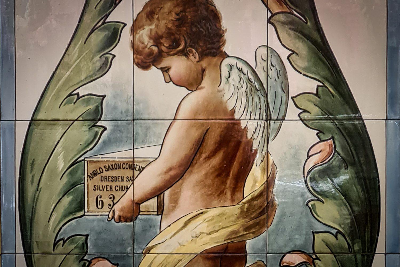 Engel mit Kondensmilchbox